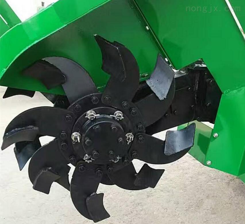 自带动力履带式微耕机