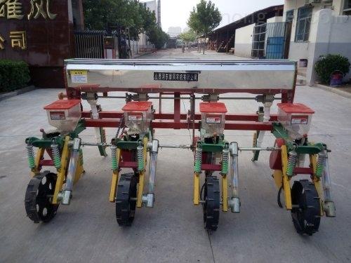2BFM-5A玉米免耕施肥播種機