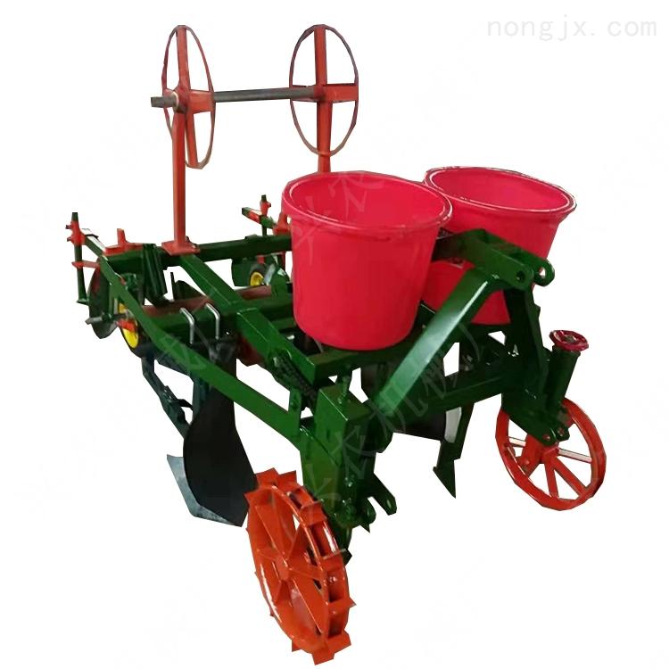 四轮拖拉机带地膜机 玉米覆膜播种机厂家