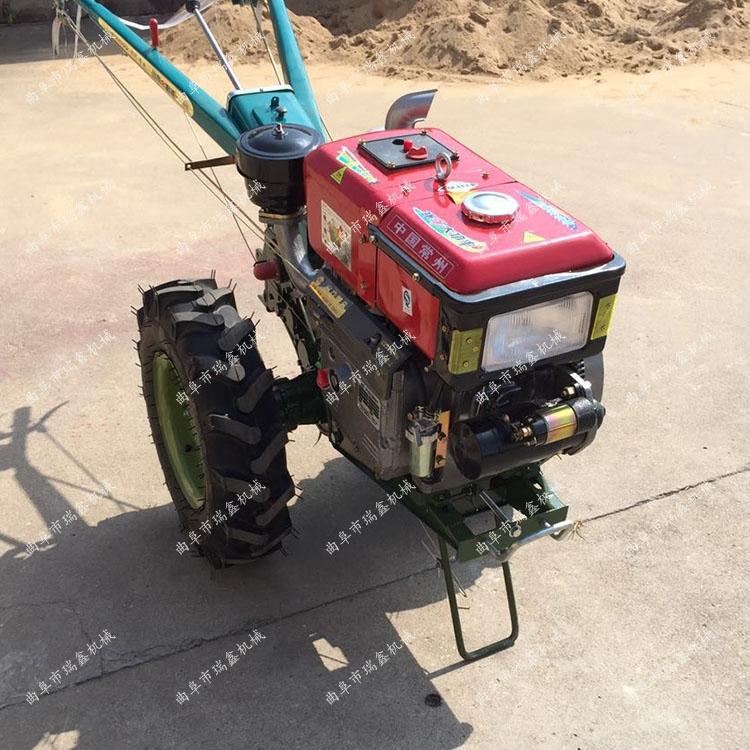 手扶式拖拉機可配套多種農具