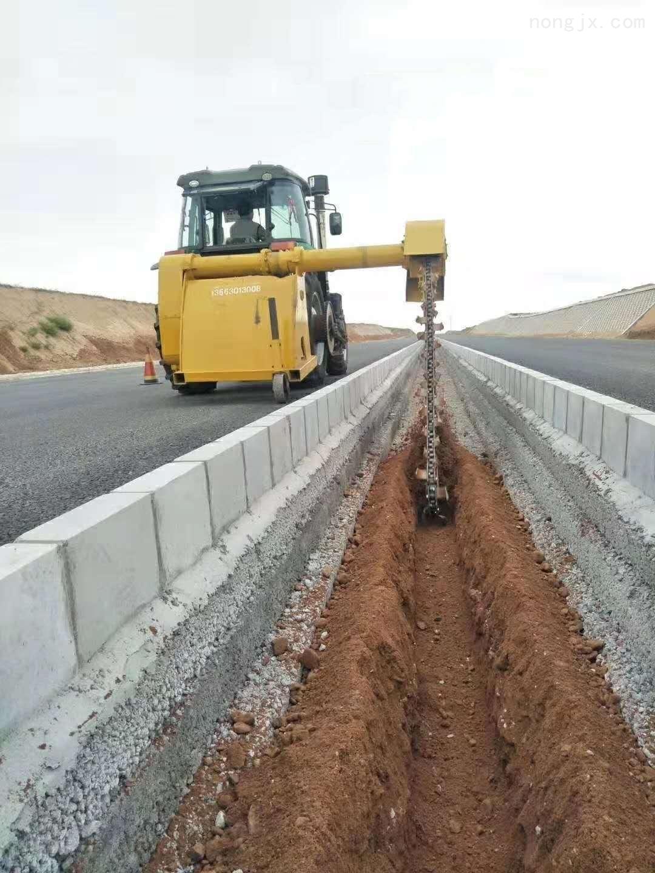 大型路面开沟机高速公路跨栏开沟机