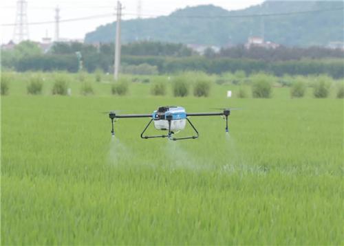一起围观植保无人机是如何让农资店老板以专业服务的方式去带动农药销售